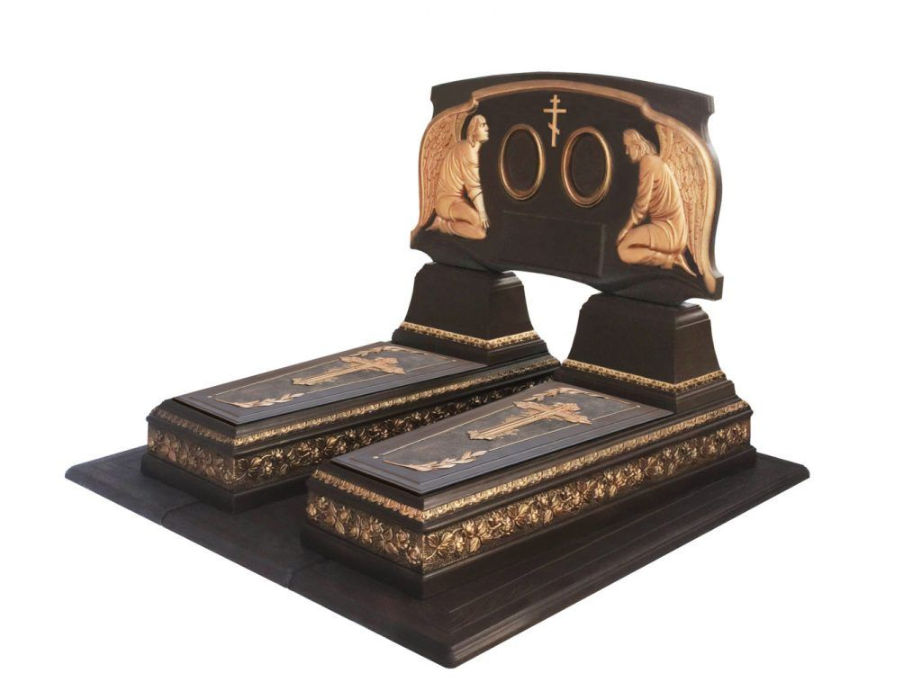 Памятник-Двойная-Роза-коричневый-1365x1024